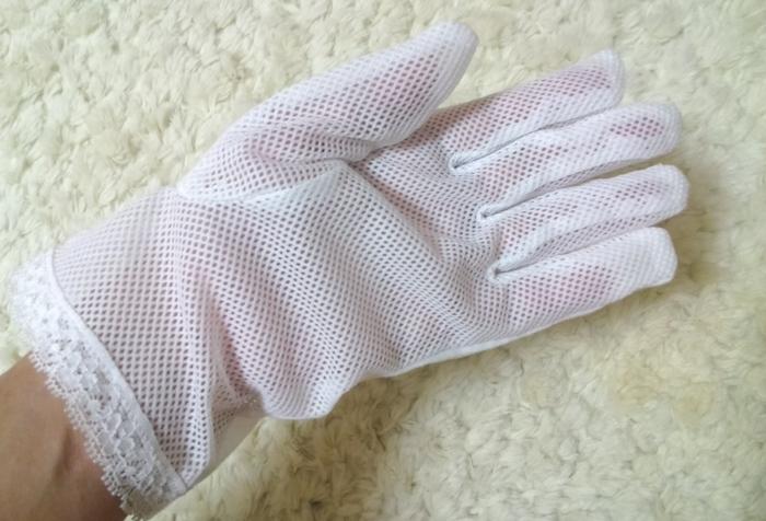 セリアのUV手袋メッシュタイプ裏