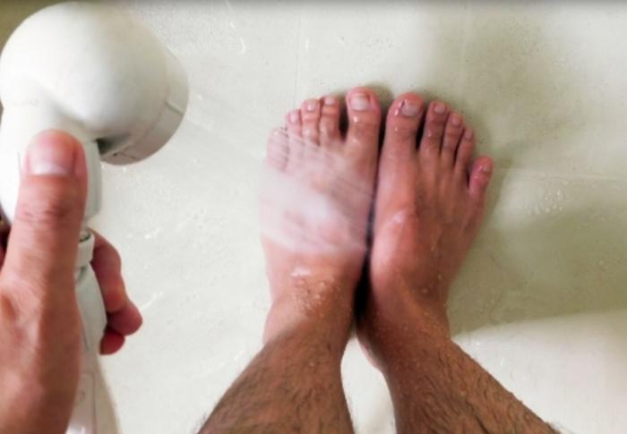 足をよく洗う